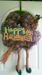 halloween-wreath-with-legs